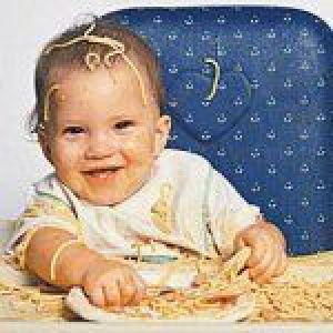 Що можна їсти дитині в 1 рік режим харчування