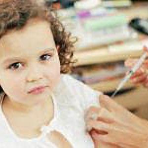 Чи варто робити дітям щеплення?
