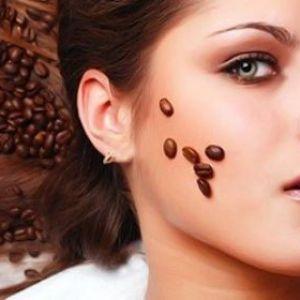 Кавова гуща для особи: секрети приготування скрабів, застосування в косметології і домашніх умовах